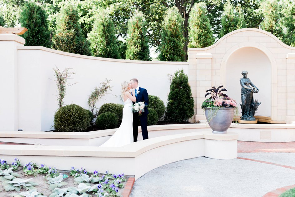 English Garden Love Affair at The Paine Art Center and Gardens | Wisconsin Bride