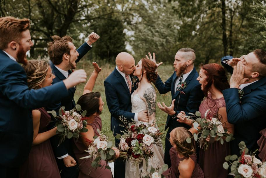 Start planning your Wisconsin wedding with Black Friday sales and promotions from these local wedding vendors.