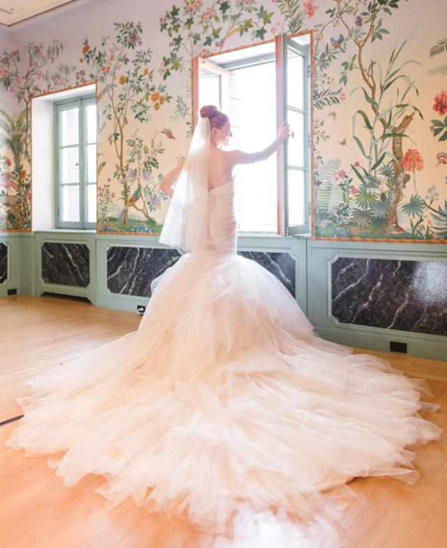 Vintage Wedding Dresses Chicago: Meet Alyssa Kahle, Wisconsin Native And New Wedding Gown
