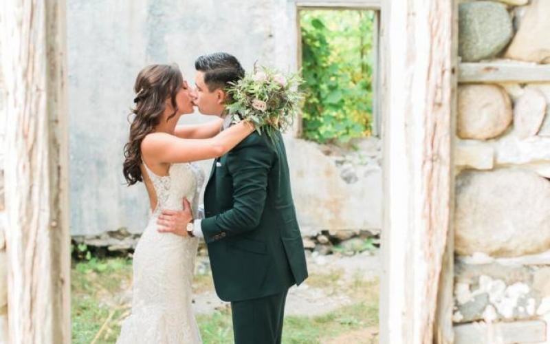 Woodland Backyard Wedding in New Berlin | Wisconsin Bride