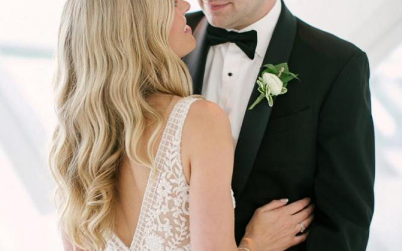 Blush and Gold Wedding at the Milwaukee Art Museum   Wisconsin Bride